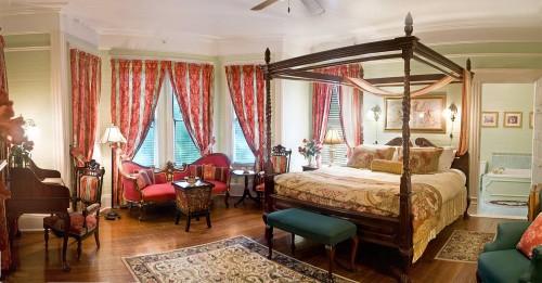 victorian-bedroom-1210020